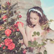 Posa tra le rose by Walter Marone